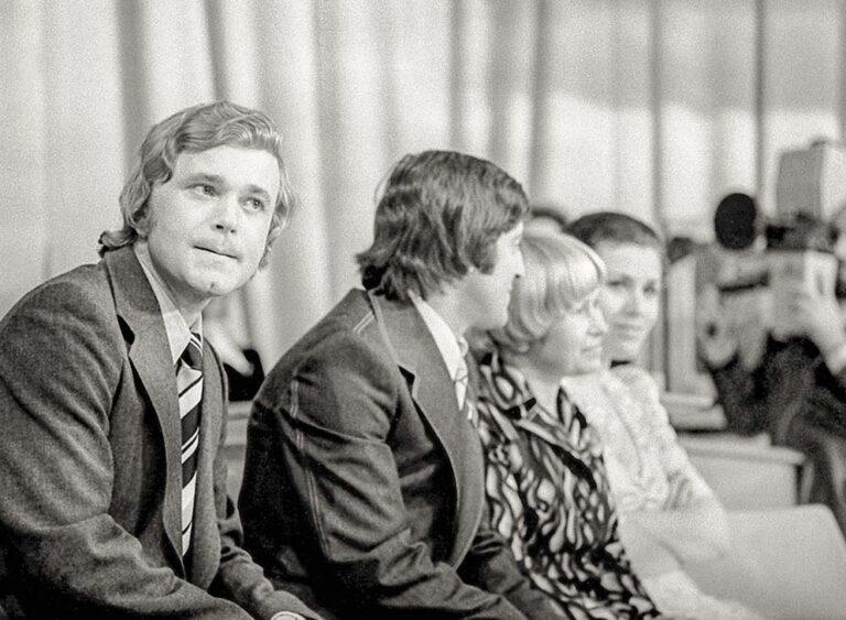В качестве почётного гостя в компании с Геннадием Хазановым, Валентиной Толкуновой и Александрой Пахмутовой. (1977 г.)