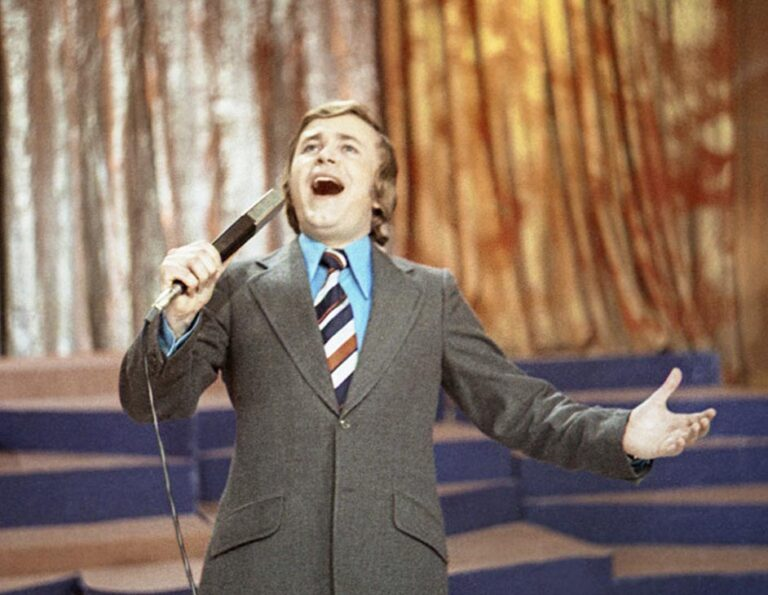 ПЕСНИ «ВЕСЁЛЫЙ ЗОНТИК» И «НАЧНИ СНАЧАЛА». МУЗЫКАЛЬНО-РАЗВЛЕКАТЕЛЬНАЯ ПРОГРАММА «АРТЛОТО». ЦТ. 1977 Г.